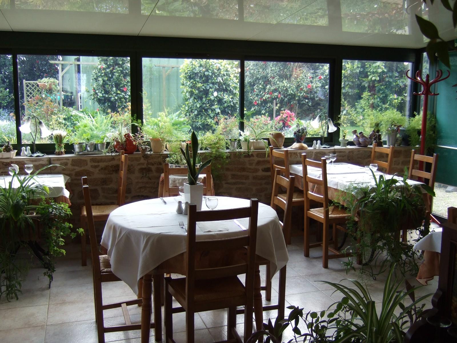 Le restaurant l 39 auberge de tante marie for Restaurant le jardin au moulleau
